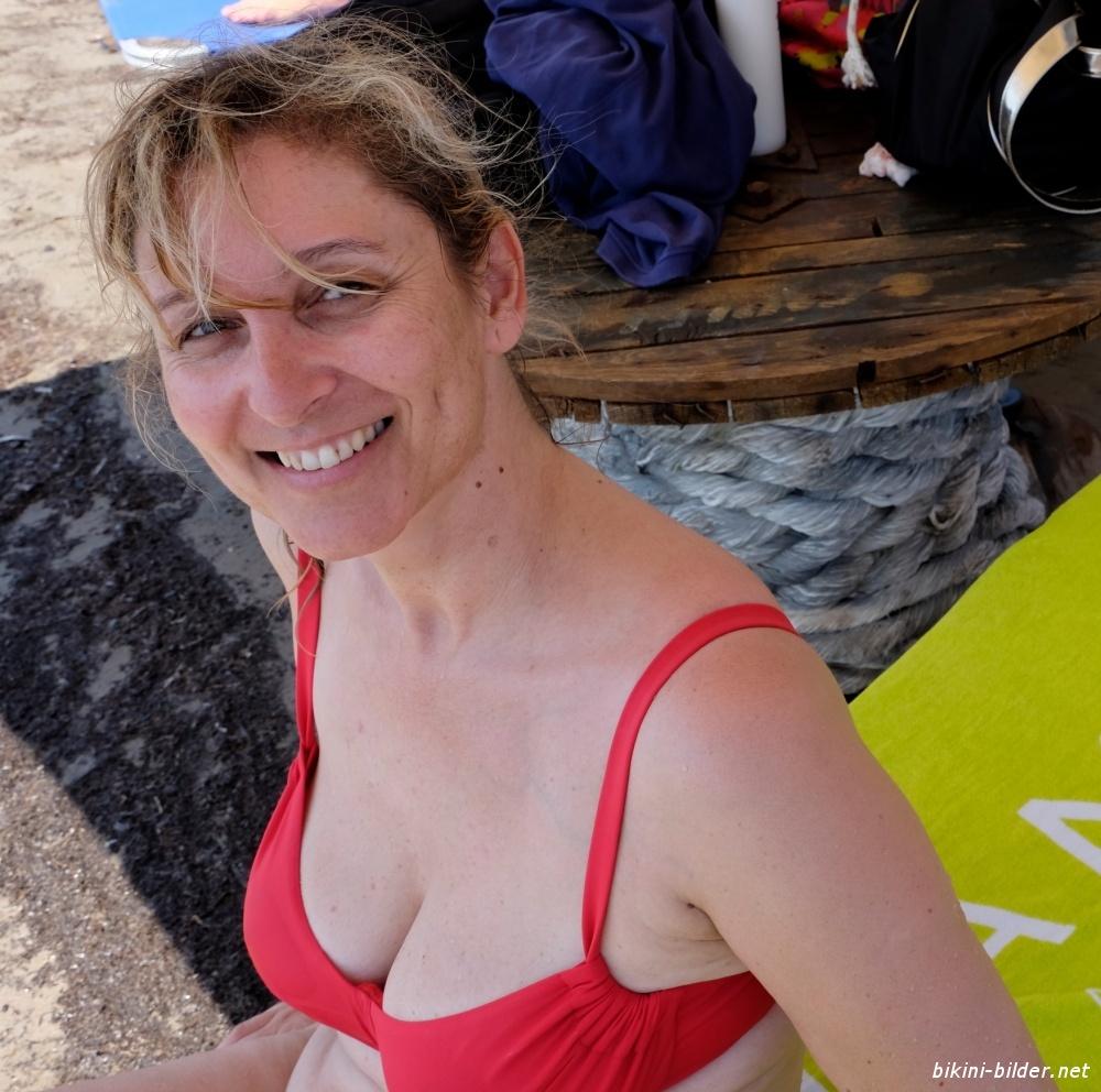Reife frauen im bikini
