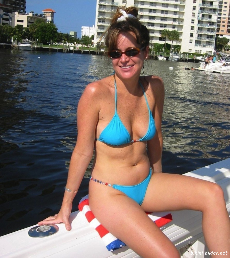 Amateur Amateur Wife On Vacation And Posing For Hubby For Your Comment